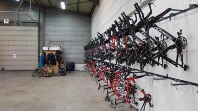 Mais bikes penduradas
