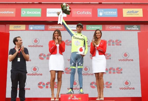 Contador recebe premio de atleta mais combativo da etapa.